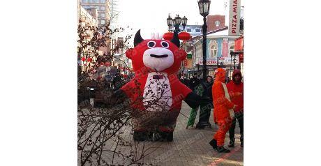 Ростовая кукла красный бык