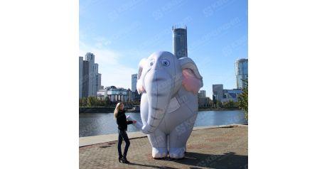 Ростовой костюм человека зефира на мероприятии в торговом центре