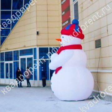 Надувная фигура Снеговик в шапке вид слева