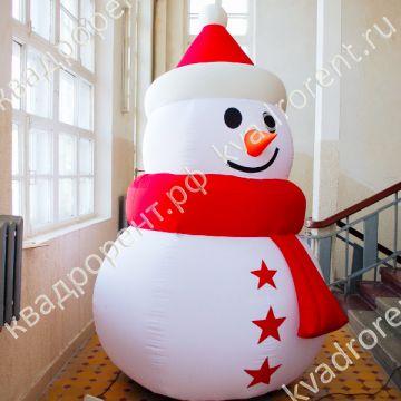 Надувная фигура Снеговик со звездами вид сбоку