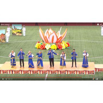 "Воздушный цветок ""Лотос"" на концерте"