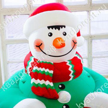 Фигура Снеговик надувной крупный план